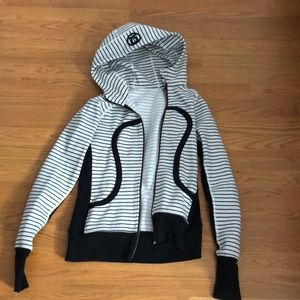 LULU LEMON STRIPED SWEATSHIRT
